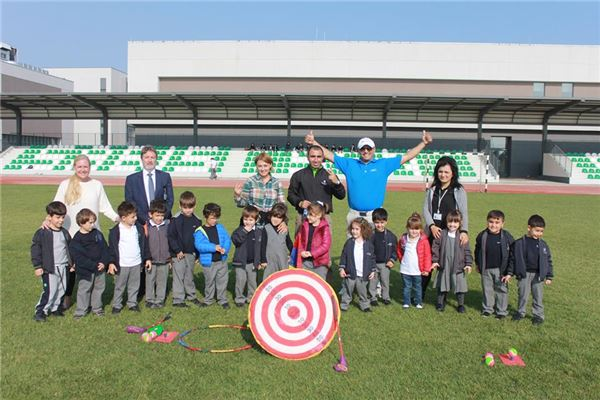 Golf lessons for KG students